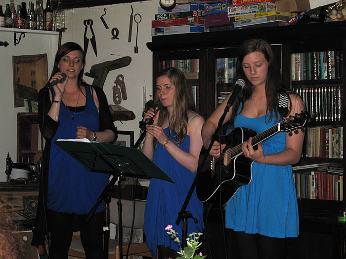 Djúpavík. Miscellaneous XXVI. - Concert by the Melar-Sisters. (24 till 31 July 2010)