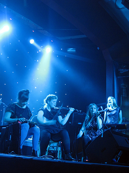 Reykjavík. Concert - Amiina and Sin Fang Bous (at Nasa). - <a href='http://amiina.com/' target='_blank' class='linksnormal'>Amiina</a> (on <a href='http://www.facebook.com/pages/amiina/14298931814' target='_blank' class='linksnormal'>facebook</a>, too). (22 September 2010)