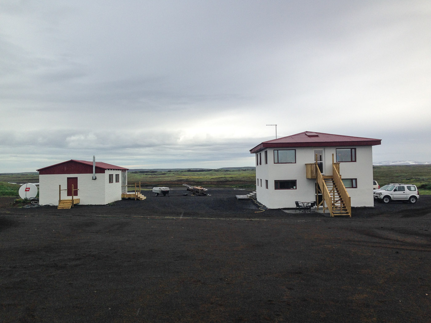 Northern Iceland - On the way to Askja. On vacation. - Our accommodation last night (the right house), strange ... (24 July 2014)
