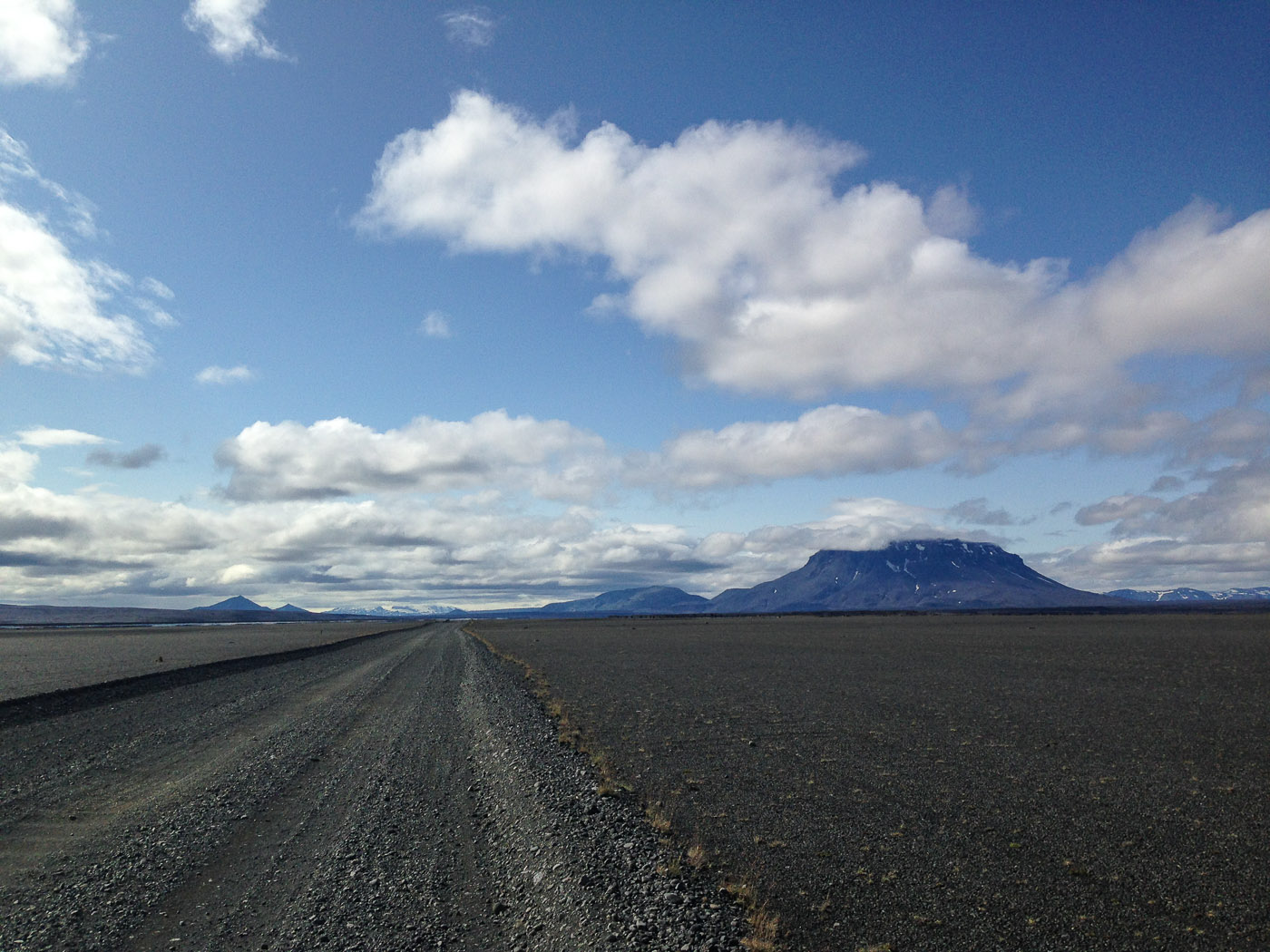 Northern Iceland - On the way to Askja. On vacation. - F88 - view in southern direction, and mountain Herðubreið. (24 July 2014)